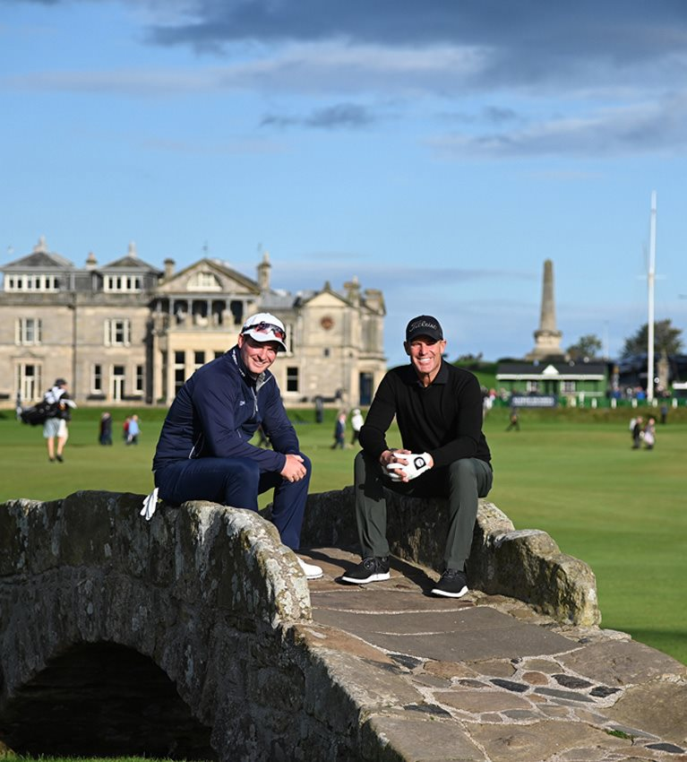 Fox and Warne share lead in Team Championship